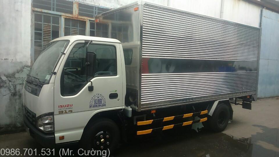 xe tải isuzu 2.2 tấn thùng kín