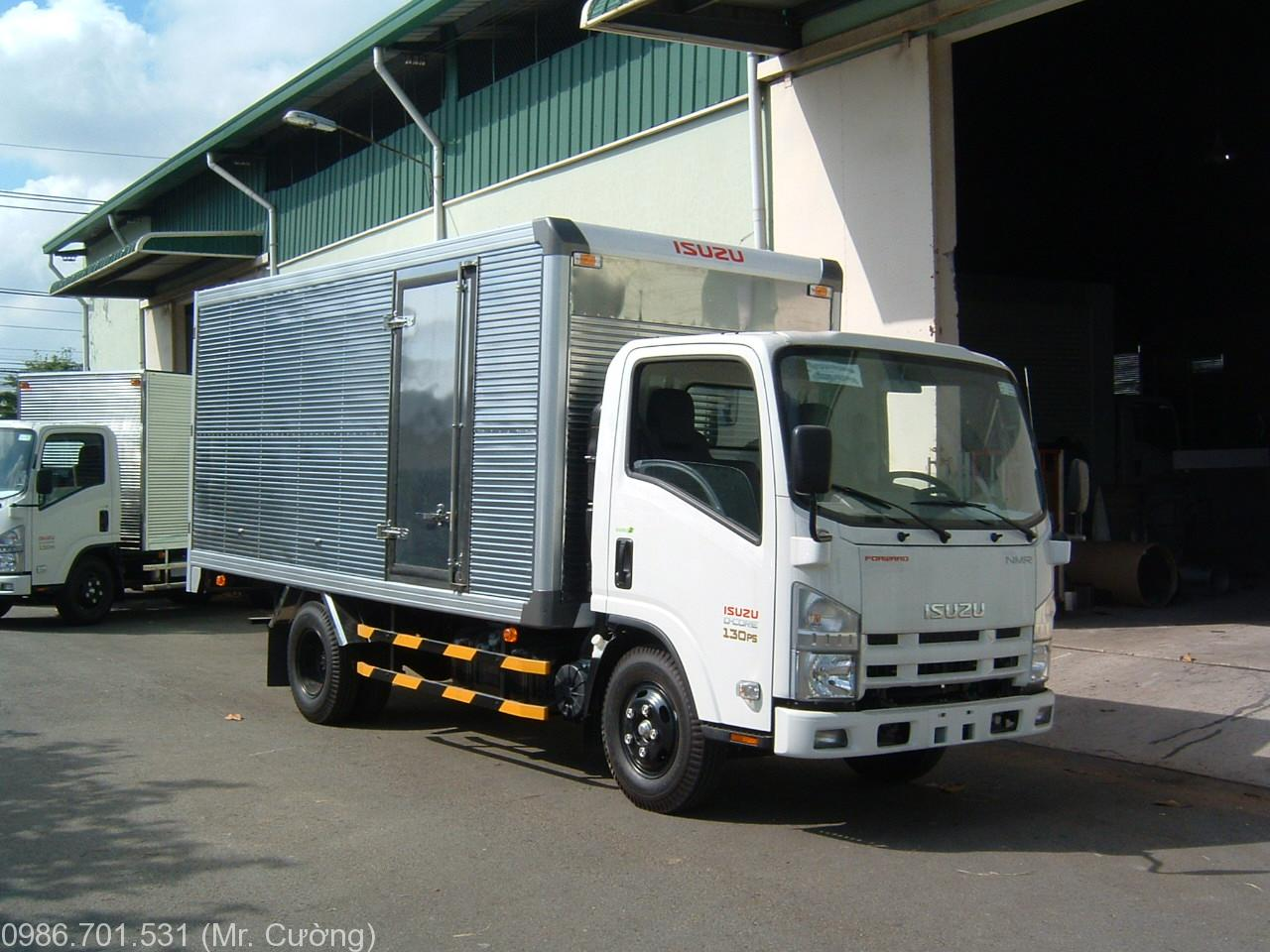 xe-tải-isuzu-3-9-tấn-thùng-kín